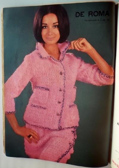 Chaqueta manga 3/4 con pollera portafolio tejida al crochet, ganchillo
