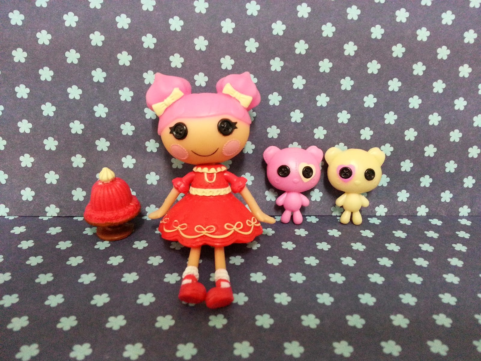 Jane Chérie: One more day until New Year... Lalaloopsy Dollop Light N Fluffy