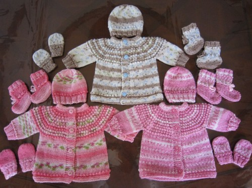 Preemie and Newborn Seamless Sweater, Hat, Mittens and Booties Set - Free Pattern