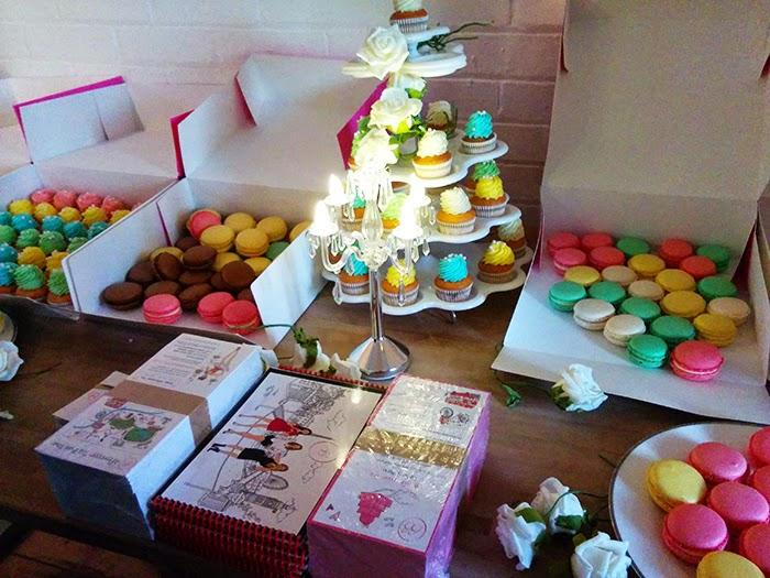 Bloggers Love Fashion Week #BLFW Hub Cupcakes Cakes Macaroons Macarons