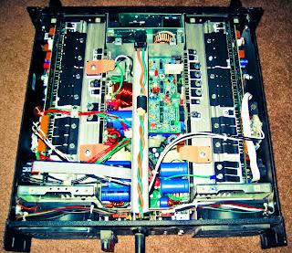 rangkaian amplifier dengan daya 1000W