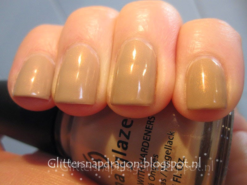 Essie - All Eyes on Nudes China Glaze - II
