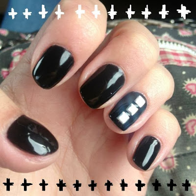 Inspire Magazine Online - UK Fashion, Beauty and Lifestyle Blog:  My review of Beau Belles Beauty; nails; nail art; studs; beaubellesbeauty; luton; inspire magazine online;