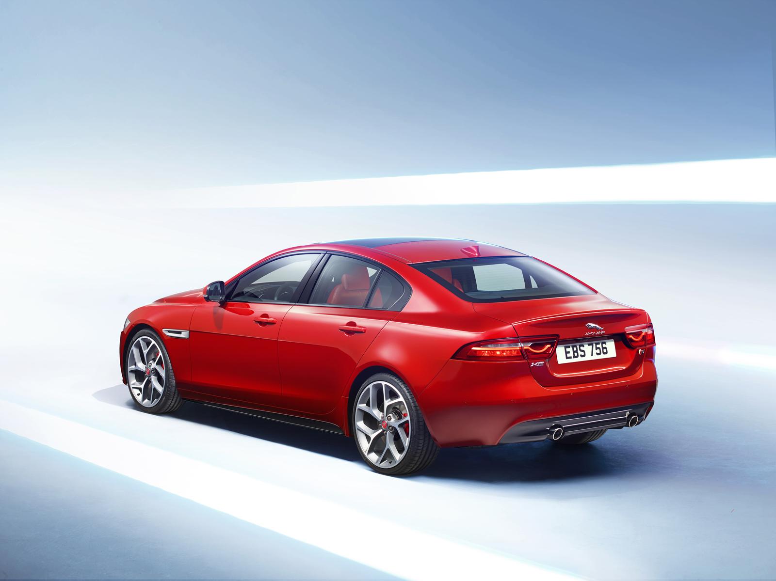 New Jaguar Xe Makes North American Debut At 2015 Detroit