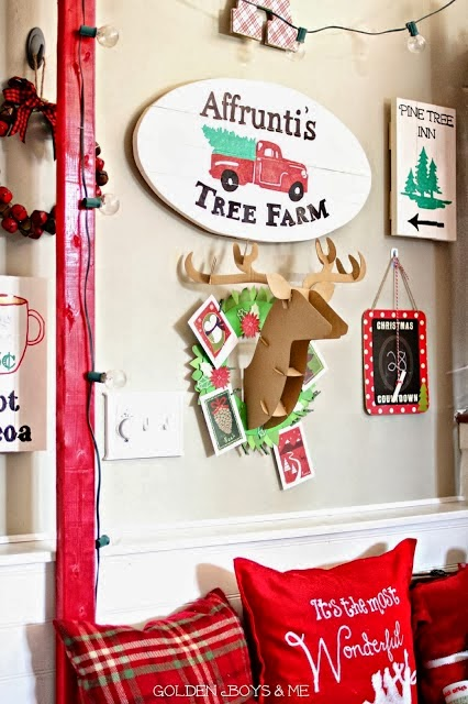 DIY Christmas tree farm sign-www.goldenboysandme.com
