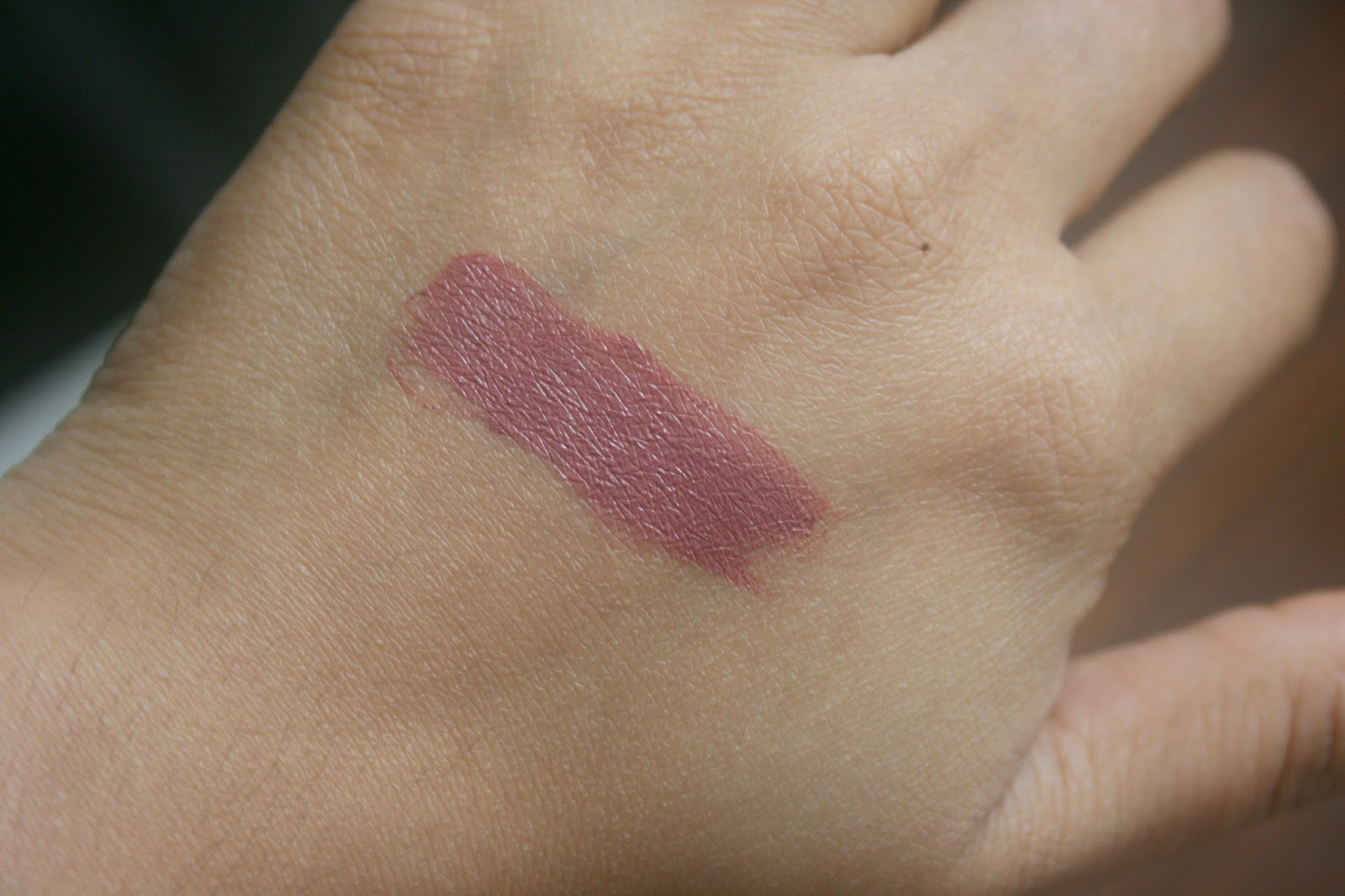 Bite Beauty Butter Cream Lipstick in Hazelnut Swatch