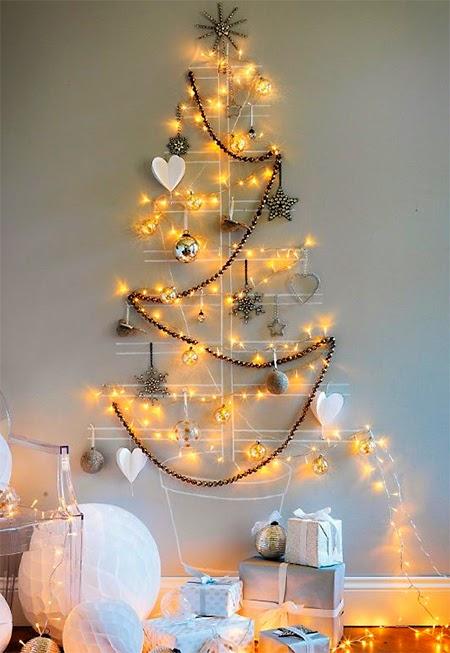 arvore de natal desenhada na parede