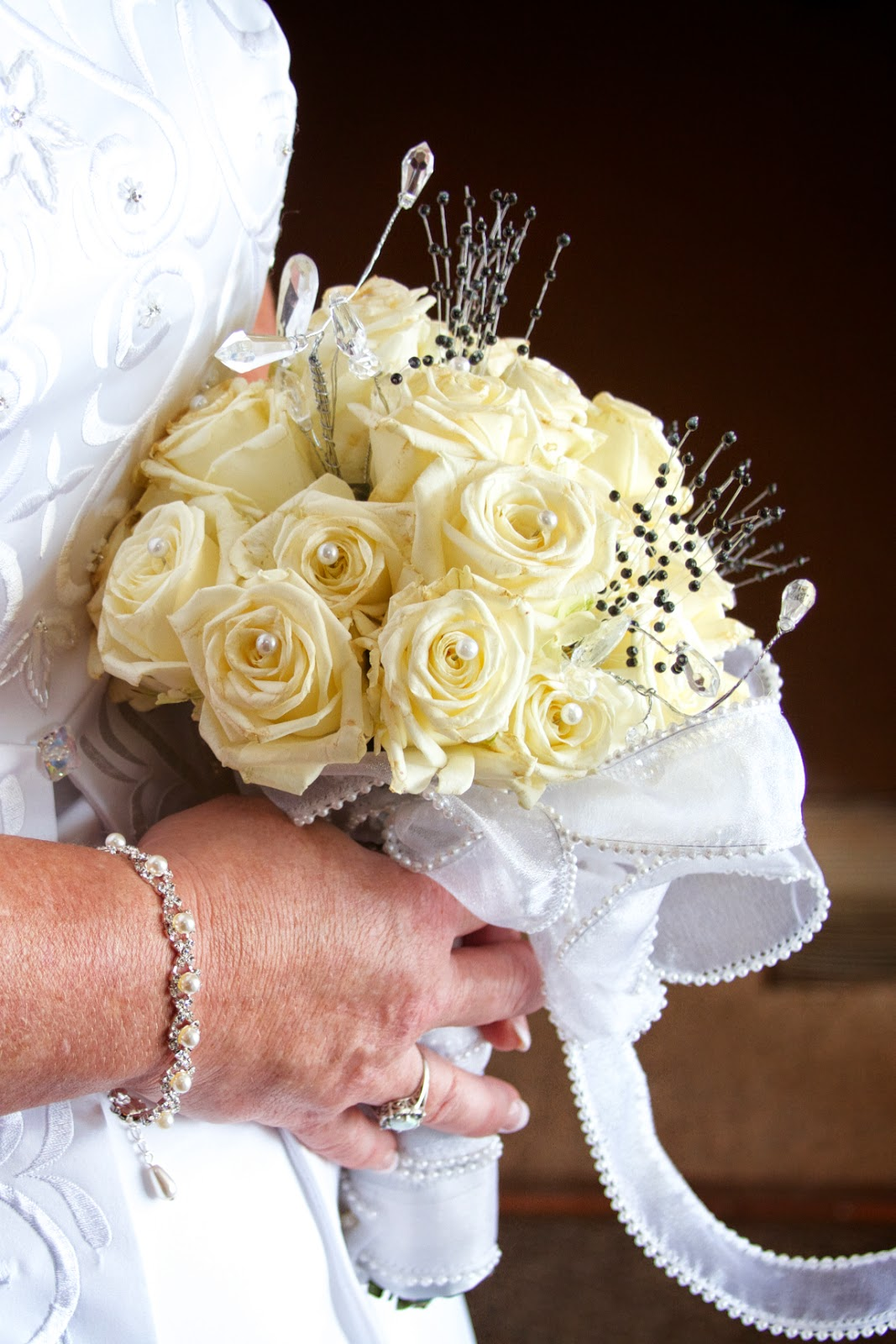 Winter wedding. Tammy Sue Allen Photography, wedding photographer, Lansing, Michigan.