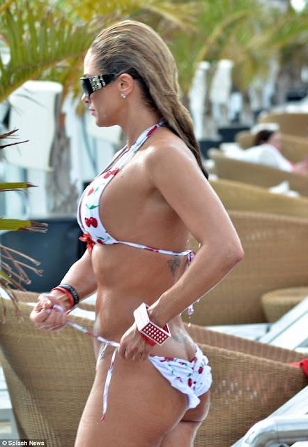 Jennifer Nicole Bikini pics