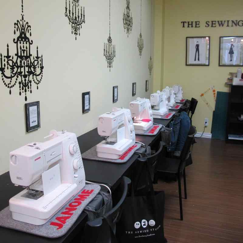 Sewing Studio New York http://www.hipurbangirl.com/2012/03/getting-crafty-sewing-studio-toronto.html