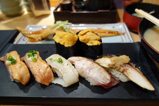 Tsukiji Fish market tokyo sushizanmai sushi zanmai uni sea urchin grilled