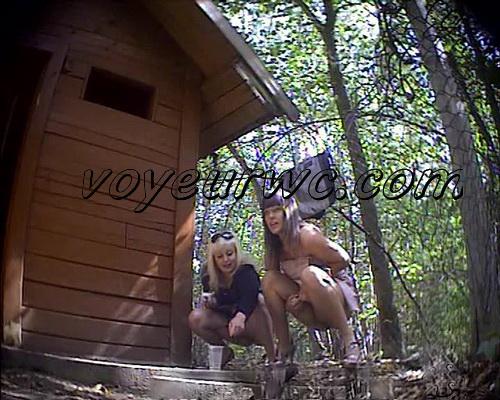 molodie-i-golie-veb-kamera