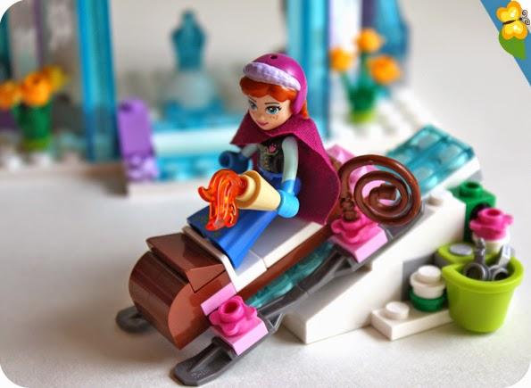 Le palais de glace d'Elsa par LEGO® Disney Princess™