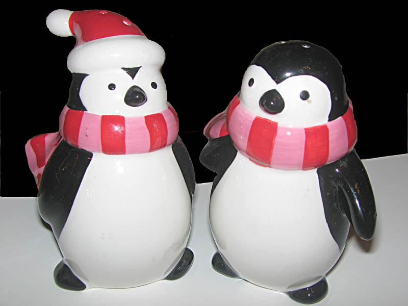 Christmas Penguin salt and pepper shakers