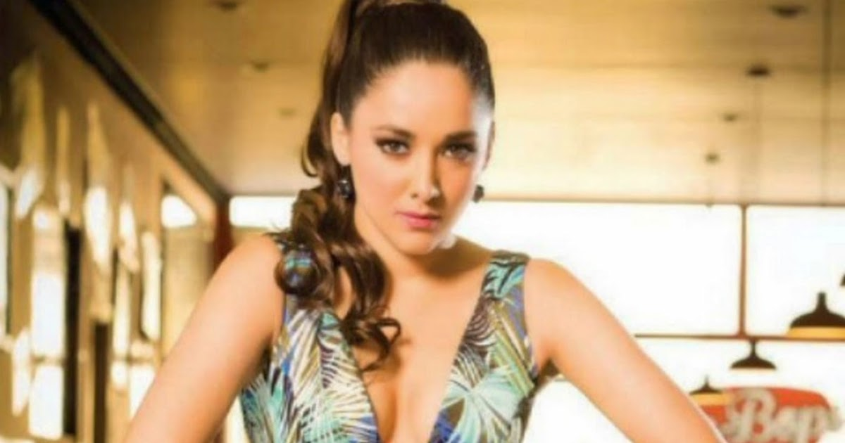 Ximena Cordoba Premios Juventud 2014 x5 HQ | FamosasMex