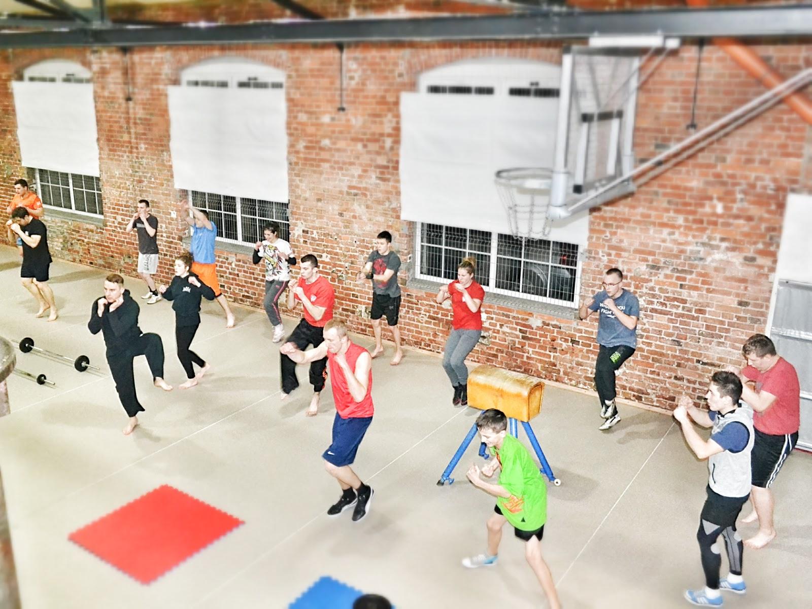 trening, zielona góra, ferie, obóz, kondycja, moc, siła, wytrzymałość, szybkość, kickboxing, boks, muay thai, k-1, młodzież, dorośli, dzieci, kobiety, mężczyźni