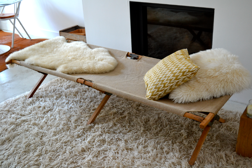 past present ancien lit de camp picot. Black Bedroom Furniture Sets. Home Design Ideas