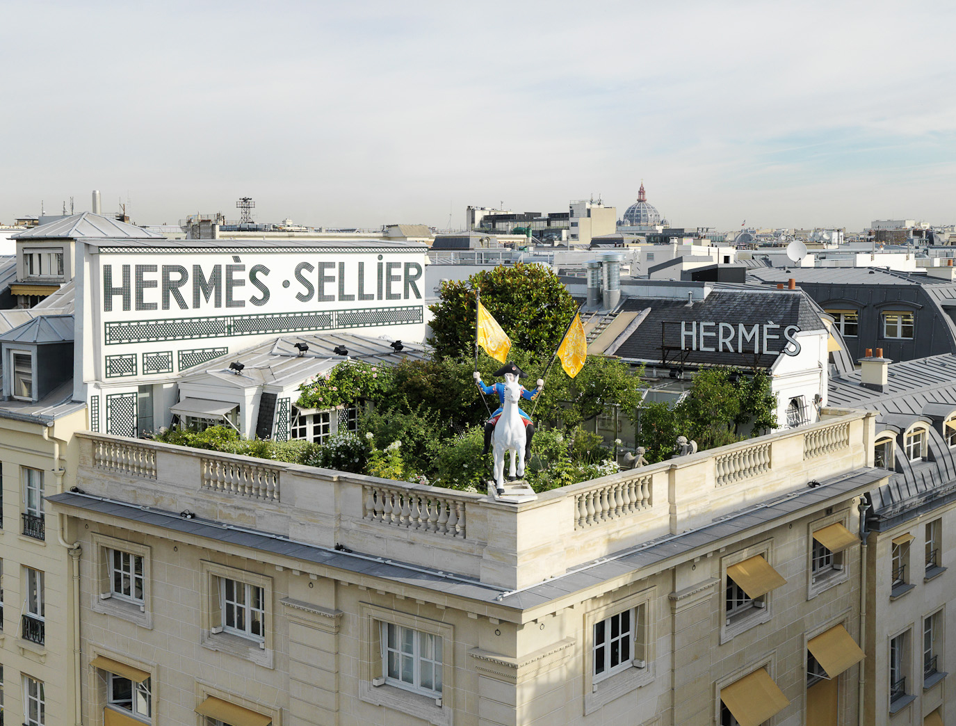 Pandora s box hermes un jardin sur le toit review for Paris jardin