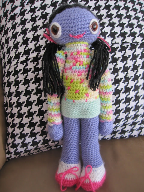 amigurumi black hair girl