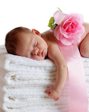 Il dolce sonno di un bambino e' un soffio di vita.