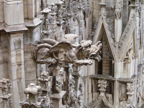 Duomo, simbolo di Milano. Un racconto affascinatne. Parte I - l'esterno