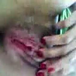 Novinha Safada na Siririca no Seu Quarto - http://www.pornointerativo.com