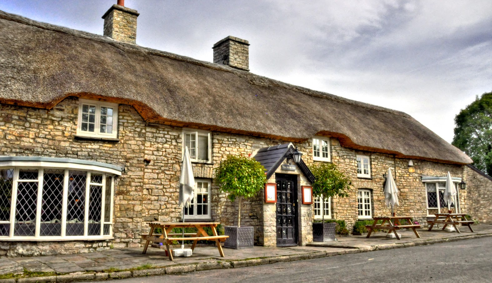 Welsh country inns, The Bush Inn, St. Hilary