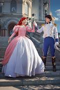 Na foto a seguir o casal litorâneo ao ar livre, numa bela escadaria!