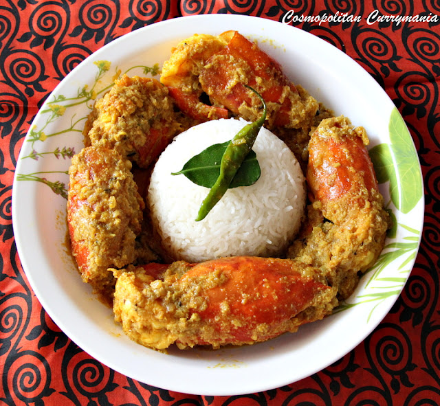 chingri macher malai curry (bengali prawn curry with coconut)