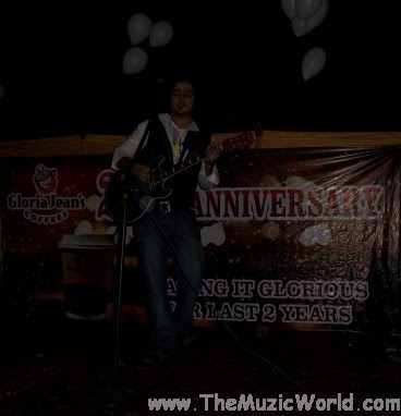 Arslan Asif Performance at Gloria Jeans's Coffees 2nd Anniversary