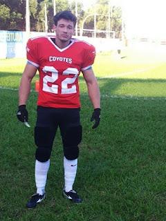 Douglas Santos veste a camisa de número 22 do Sinop Coyotes. Foto: Divulgação