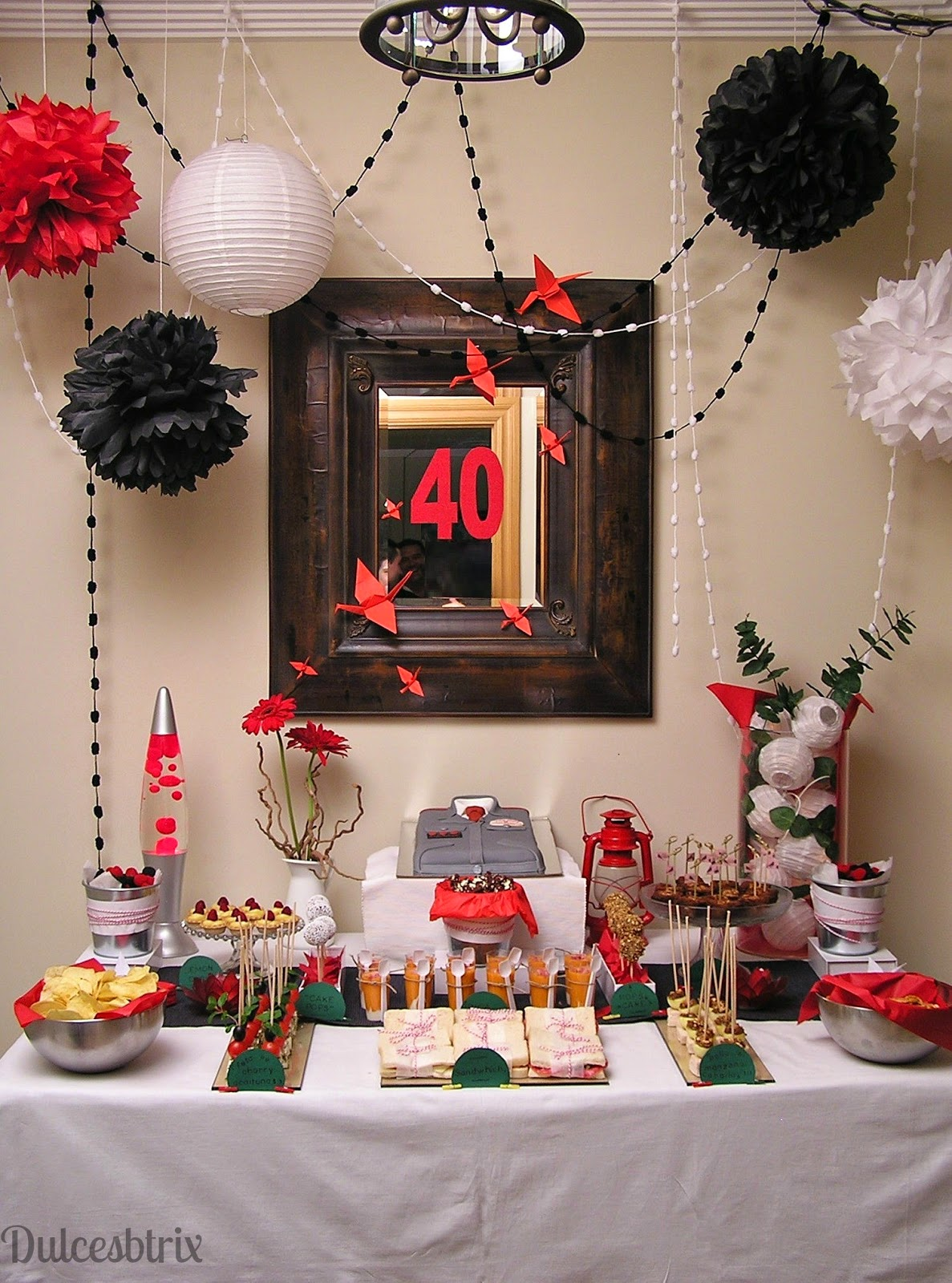Dulces btrix mesa dulce rojo y negro for Decoracion para mesa dulce