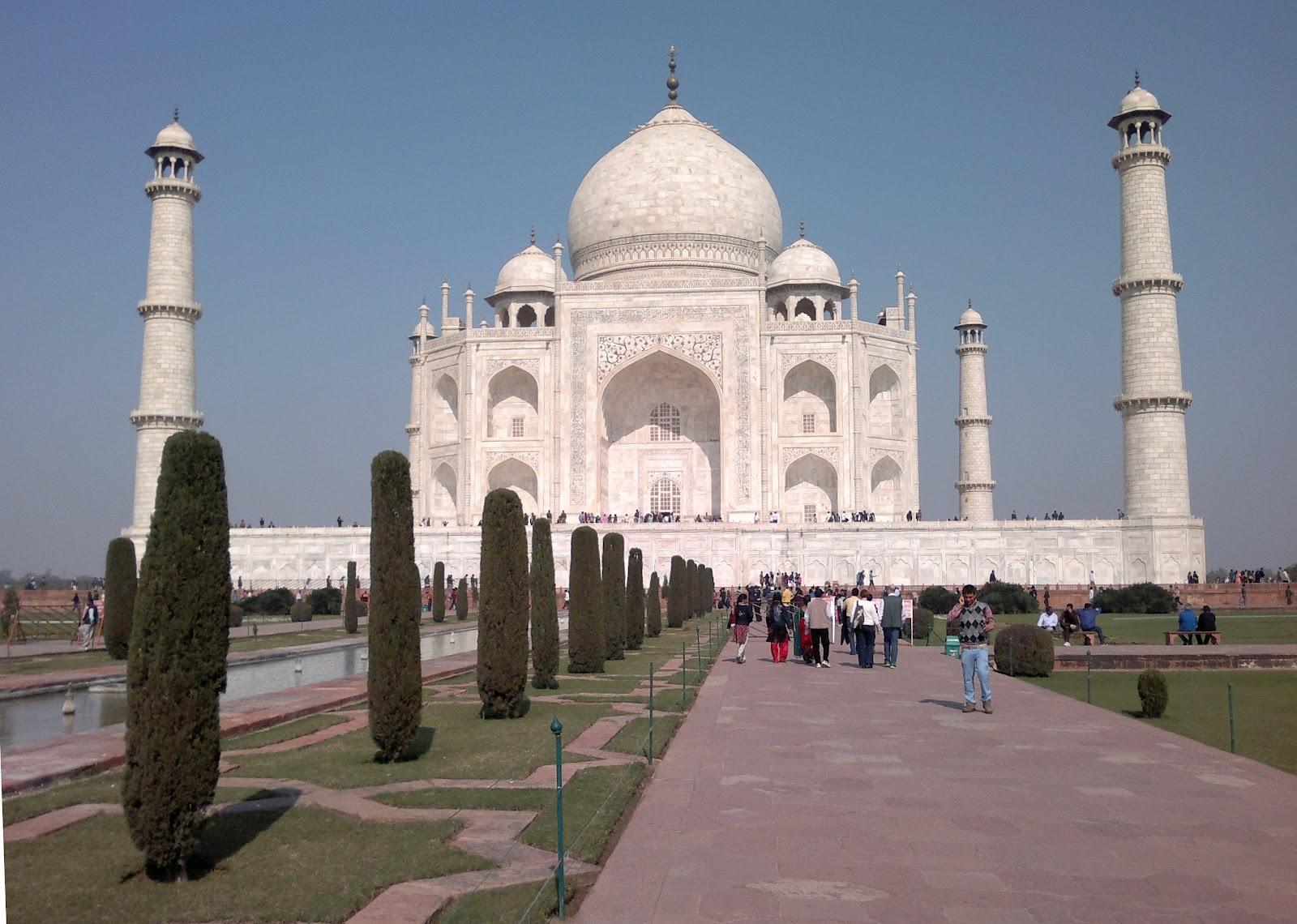 symmetrical monument
