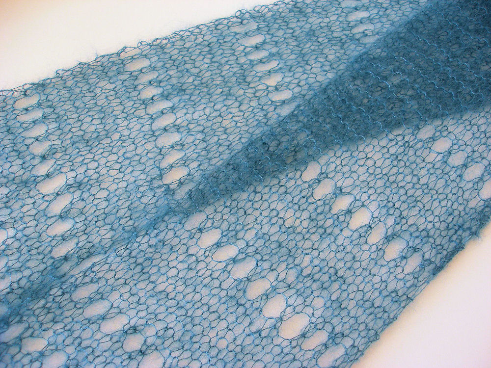 Simple Lace Knitting Pattern For Scarf : JeweledElegance: First Time Lace Knitting: Easy Pattern, Gorgeous Result