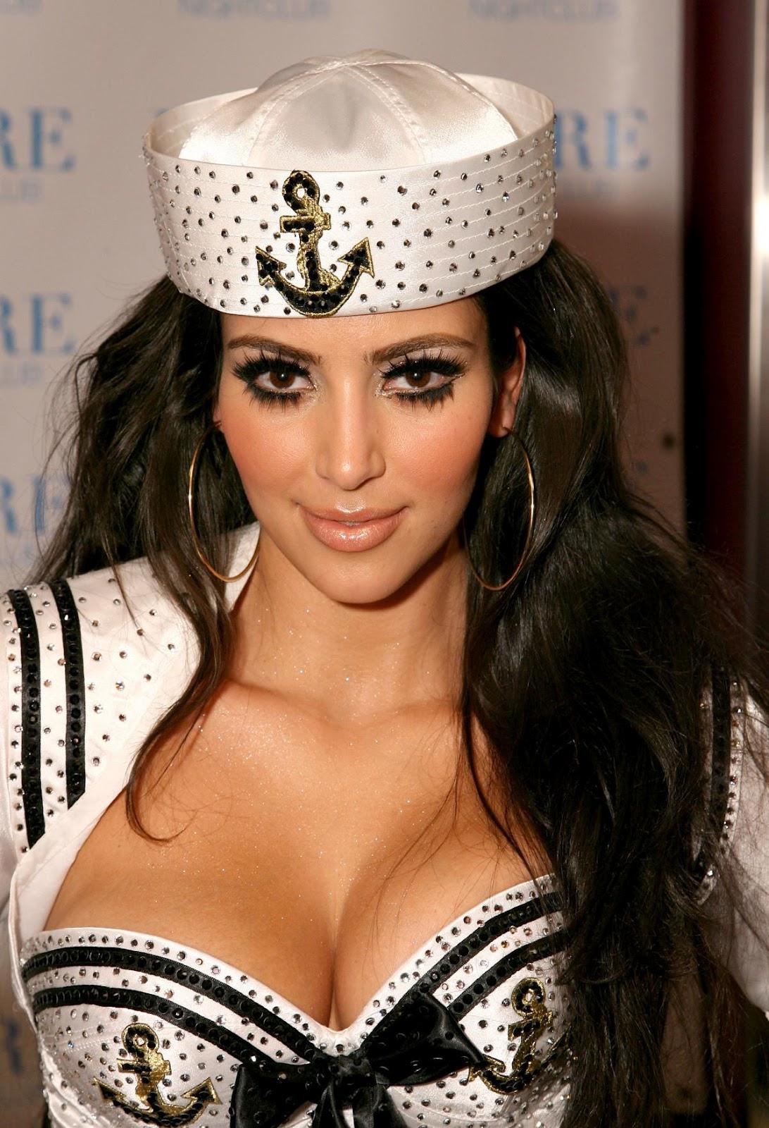 http://1.bp.blogspot.com/-x-WDoUDNq4k/UFBz6SHCIhI/AAAAAAAABUU/vY49O7HMJsk/s1600/kim-kardashian-pussycat-dolls-8.jpg