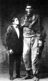 Archive: The Peruvian Giants  Perugiant3
