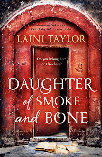 Book Review : Daughter of Smoke and Bone by Laini Taylor