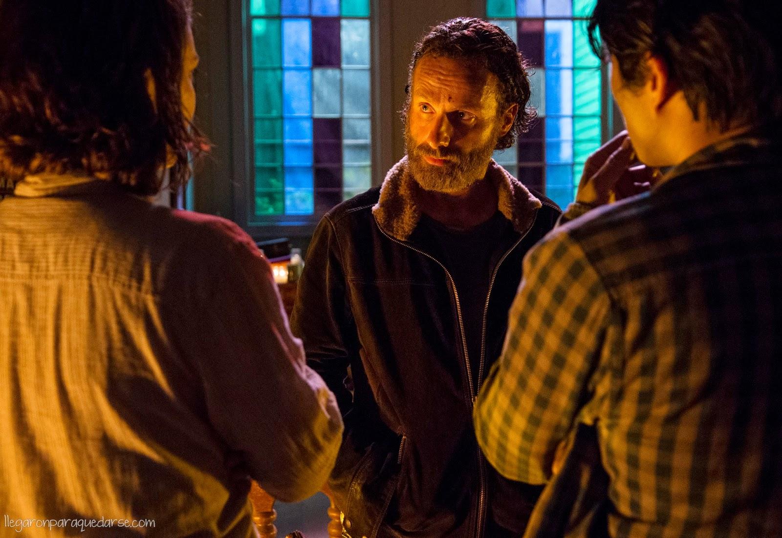 Lauren Cohan (Maggie Greene), Andrew Lincoln (Rick Grimes)  y Steven Yeun  (Glenn Rhee) 5x03