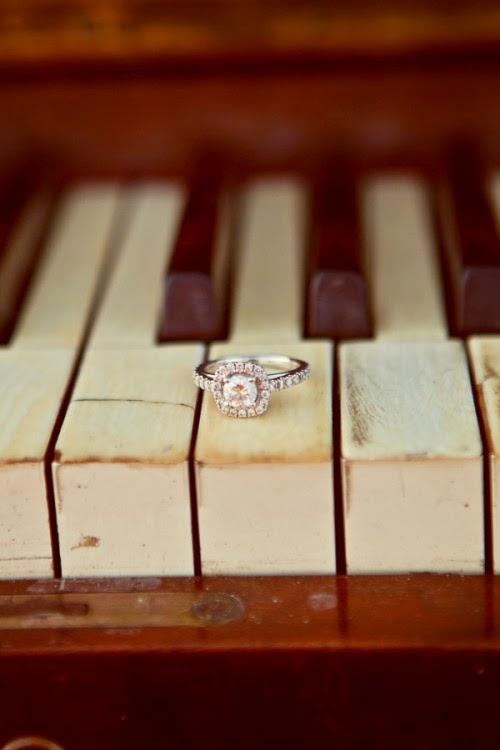 http://hifiweddings.com/2012/04/02/chris-amandas-adorable-music-love/