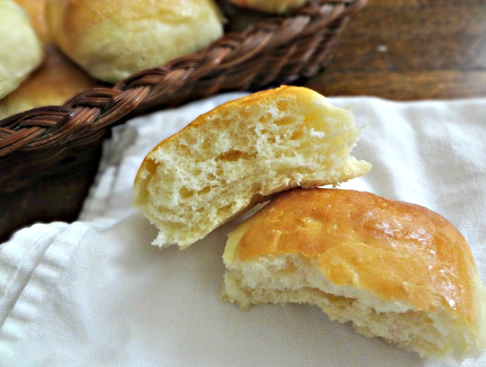 Texas Roadhouse Sweet Yeast Rolls Copycat Recipe