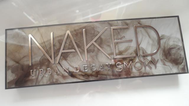 Urban decay naked smoky palette, eyeshadow, naked palette, swatches, review