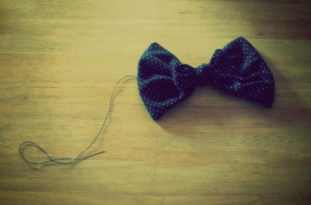 recycled fabric bow DIY