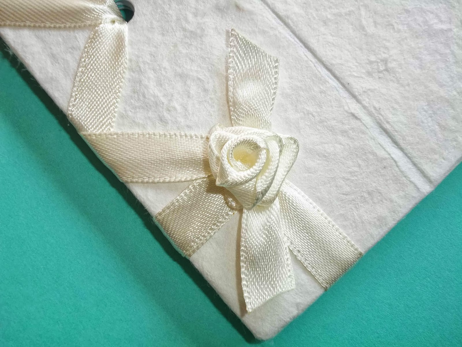 Partecipazioni Matrimonio Azzurro Tiffany : Sara crea matrimonio color tiffany guestbook a tema