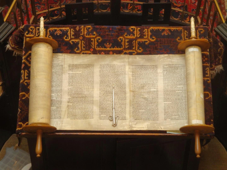 Kesaksian Taurat Dan Injil Tentang Kerasulan Nabi Muhammad SAW