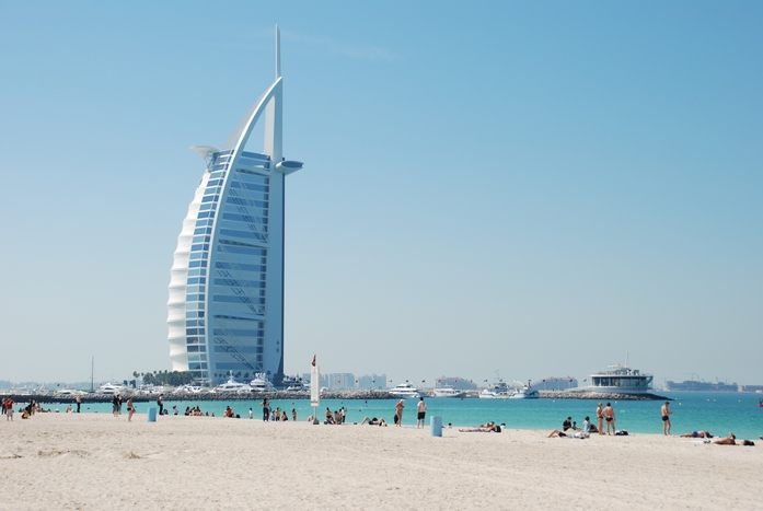 Dubai in a nutshell travel gourmande for Sail shaped hotel dubai