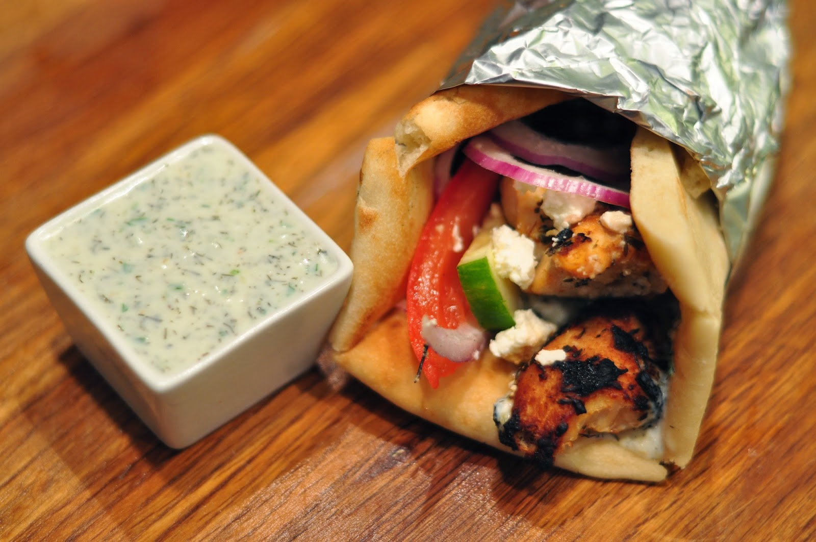 how to make greek chicken gyros