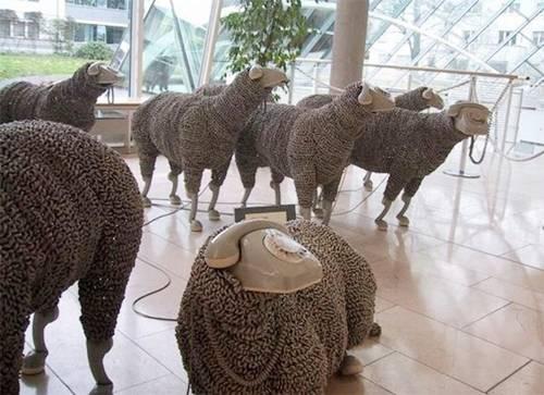 """moutons """"téléphoniques"""" fixes"""