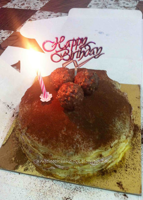 blueberry chocolate mille crêpe cake with chocolate crisp ball 蓝莓巧克力法式千层蛋糕