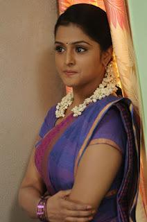Ramya Nambeesan looks Beautiful and cute in saree