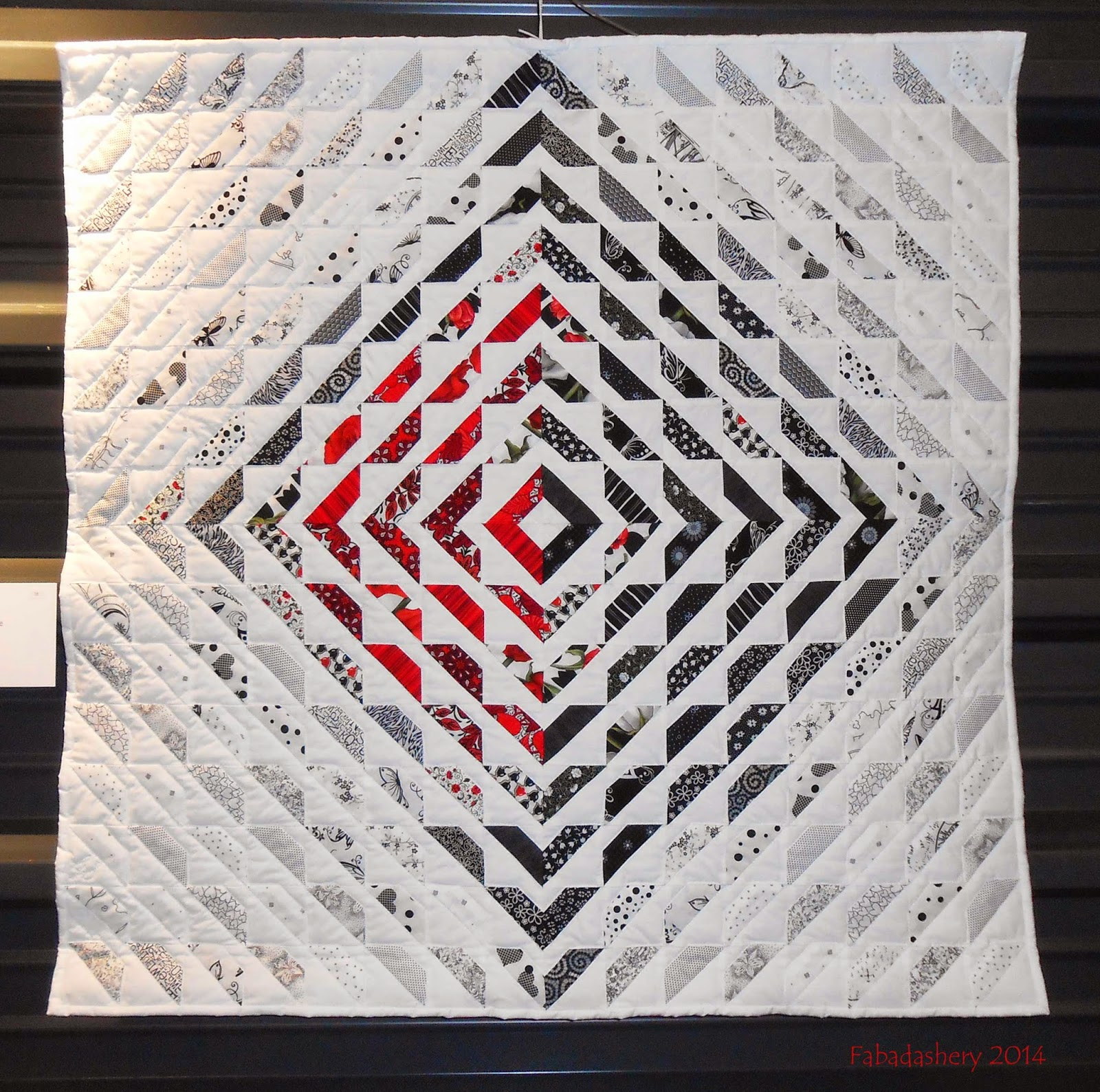 Quilt 'Blanc Noir Rouge' by Gaby Stebler 2014